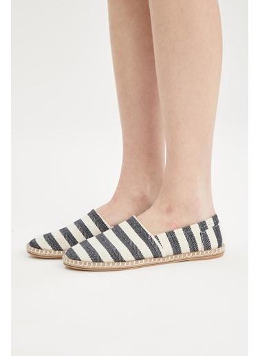 DeFacto Çizgi Deseli Hasır Tabanlı Sandalet Lacivert